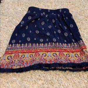 Fun patterned light weight flowy shorts